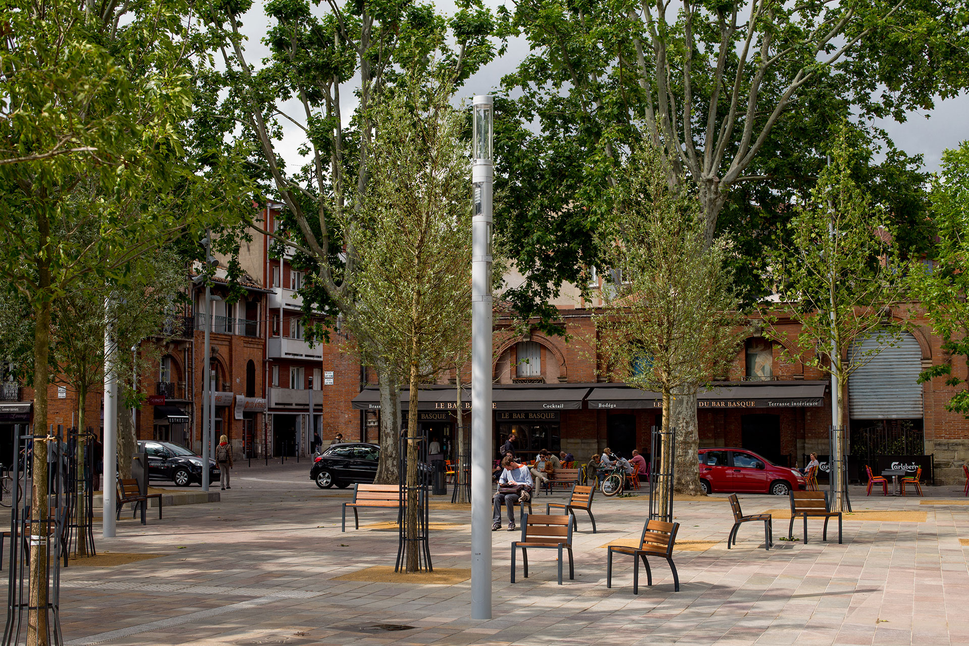 Shuffle declutters Saint Pierre Square by proving light, CCTV and WiFi in one aesthetic column